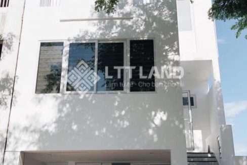 LTTLand-Nha-nguyen-can-full-noi-that-co-ho-boi-tai-FPT-City (1)