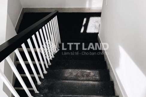 LTTLand-Nha-nguyen-can-full-noi-that-co-ho-boi-tai-FPT-City (7)