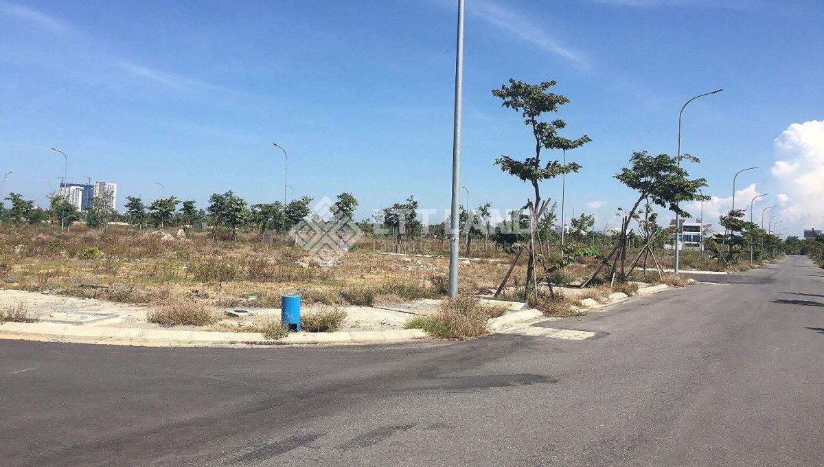 Bán đất 2 mặt tiền khu FPT Đà Nẵng