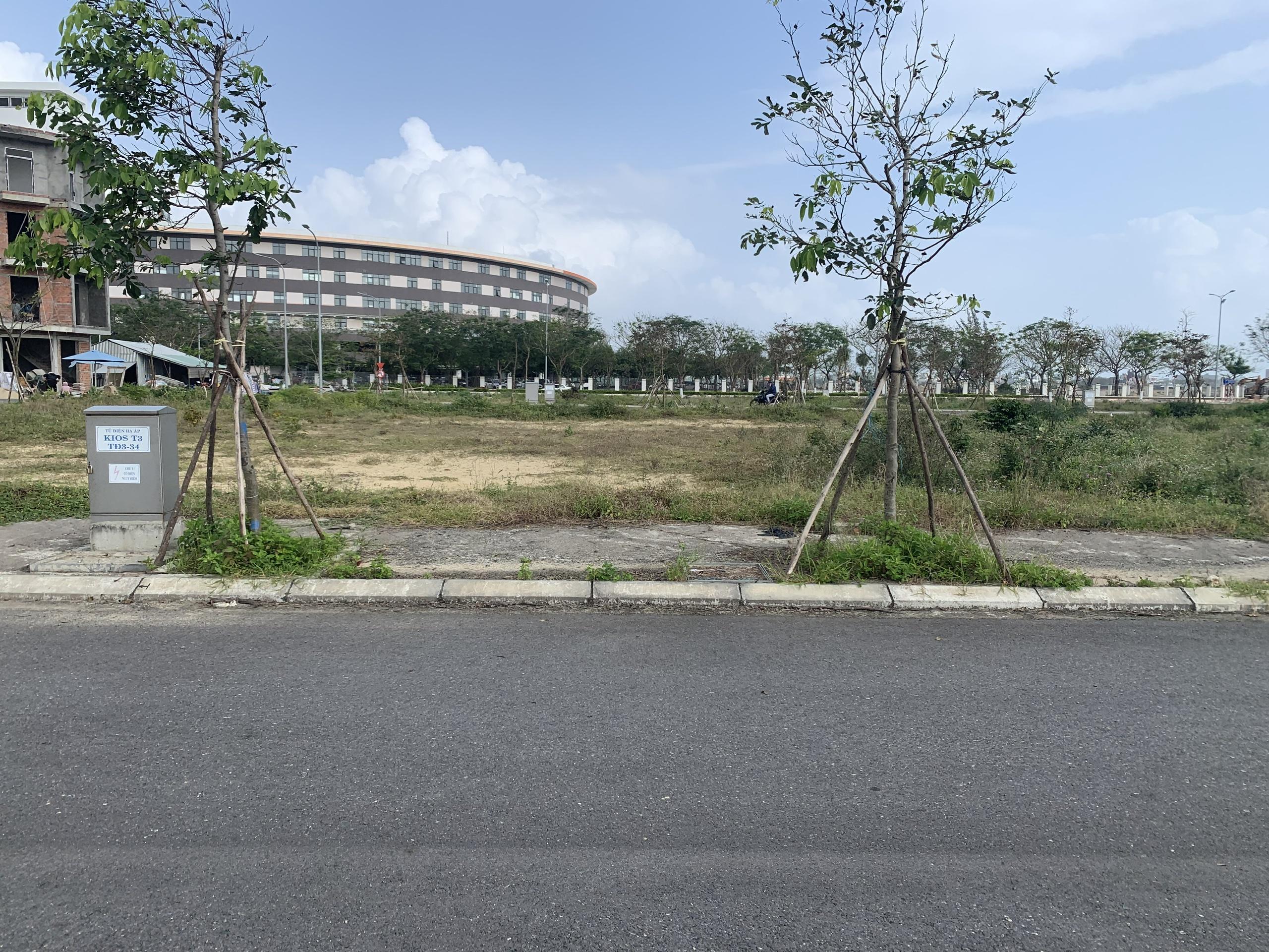 90m2-doi-lung-nam-ky-khoi-nghia